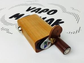 Wymienna bateria typu 18650.